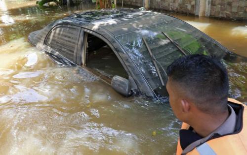 Mobil Banjir