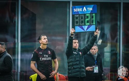 Momen Zlatan Ibrahimovic kembali bermain di Milan