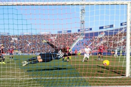 Fiorentina bermain imbang 1-1 dengan Bologna (Foto: Twitter/Bologna)