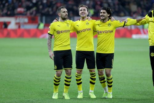 Gotze bersama para pemain Dortmund