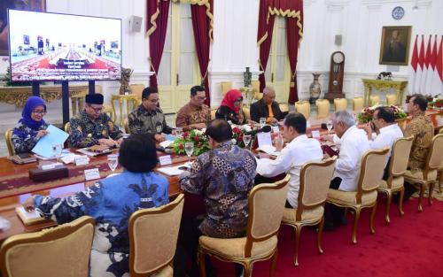 Jokowi kumpulkan kepala daerah