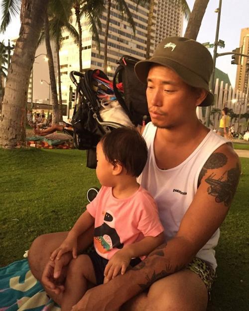 Kang Gary dan putranya. (Foto: Instagram/@kanggary_yangban)