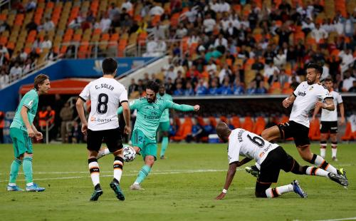 Isco Alarcon vs Valencia (Foto: Laman resmi Real Madrid)