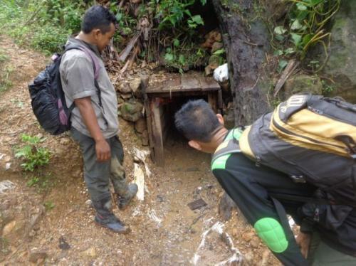 Tambang emas ilegal di Lebak, Banten. (Foto : Rasyid Ridho)