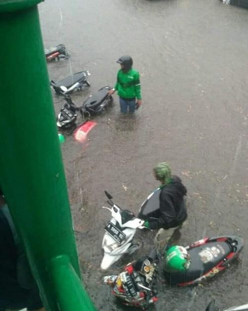 Motor banjir