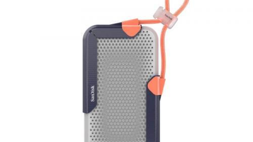 SanDisk memamerkan SSD (Solid State Drive) portable barunya yang berkapasitas 8TB pada acara pameran teknologi CES 2020.