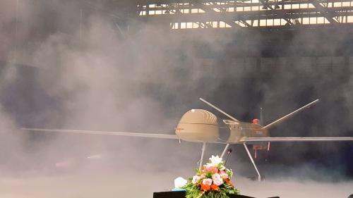 Drone ini mampu terbang terus menerus selama 24 jam dengan jangkauan jelajah operasi hingga 5.000 km.