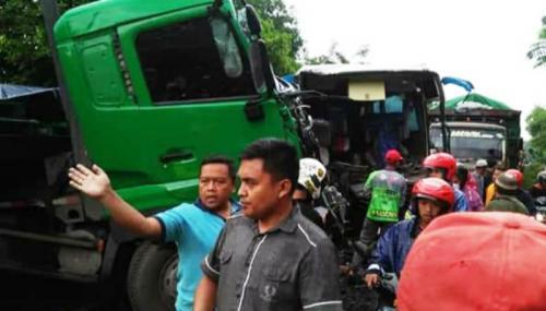 Ini Kronologi Kecelakaan Bus Rombongan Bidan Dengan Truk Di Lumajang Okezone News