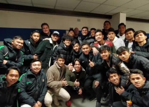 Skuad Garuda Select berfoto bersama Javier Zanetti (Foto: Instagram/@programgarudaselect)