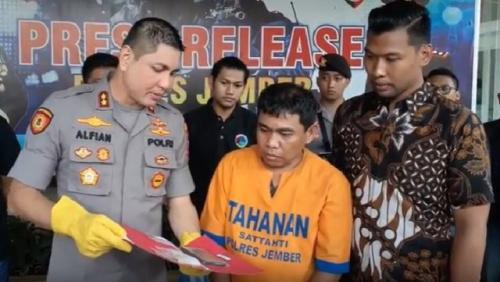 Ekspose residivis pengedar narkoba ke pelajar di Jember. (Foto: Bambang Sugiarto/iNews.id)