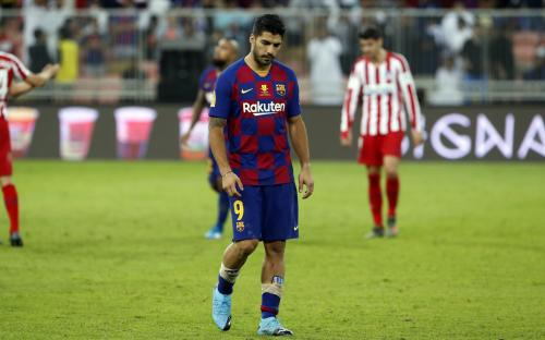 Luis Suarez mengalami cedera saat membela Barcelona vs Atletico Madrid