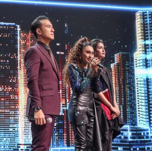Novia Indonesian Idol