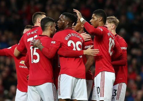 Man United terpaut enam angka dari Chelsea