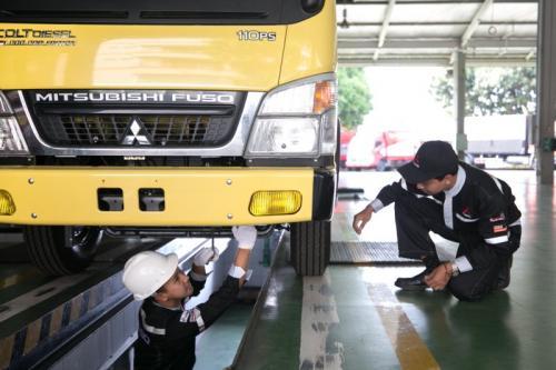 Perbaikann Mitsubishi Fuso