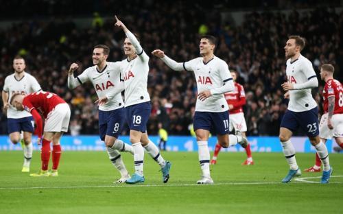 Tottenham Hotspur sukses lewati hadangan Middlesbrough (Foto: Twitter/Tottenham Hotspur)