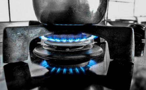 Tips bersihkan kompor gas ala Sisca Soewitomo