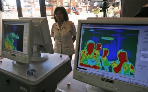 Thermal Scanner dipasang di bandara untuk mengantisipasi penyebaran virus korona baru.