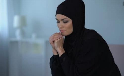 larangan berhijab membuat muslim sedih