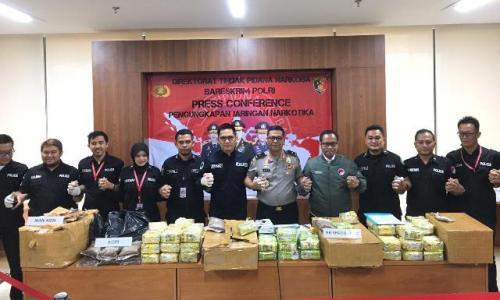 Karopenmas Brigjen Argo Yuwono merilis kasus pengungkapan narkoba sindikat Malaysia Foto: Puteranegara