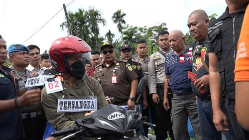 Rekonstruksi Ketiga Kasus Pembunuhan Hakim PN Medan, Jamaluddin (foto: Okezone/Wahyudi)Rekonstruksi Ketiga Kasus Pembunuhan Hakim PN Medan, Jamaluddin (foto: Okezone/Wahyudi)