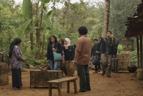 Tissa di KKN di Desa Penari