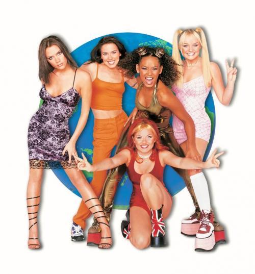 Mau tahu model sepatu hak tinggi yang seperti apa yang ngetren di tahun 90'an?