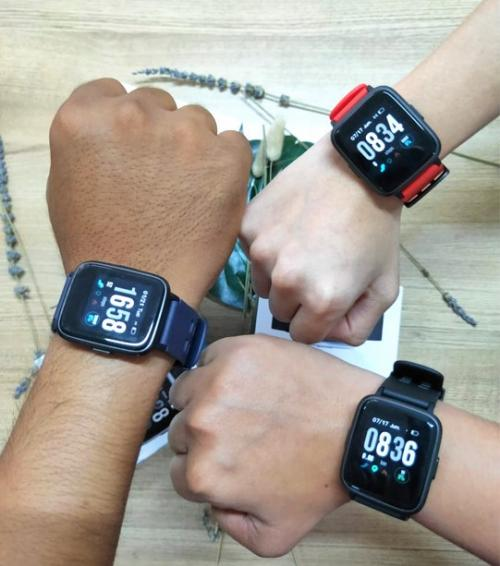 Produsen perangkat mobile Advan memperkenalkan jam tangan pintar StartGo S1 di pasar Tanah Air.