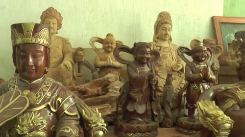 Patung dewa-dewa buatan pengrajin Jepara. (Foto : iNews TV/Alip Sutarto)