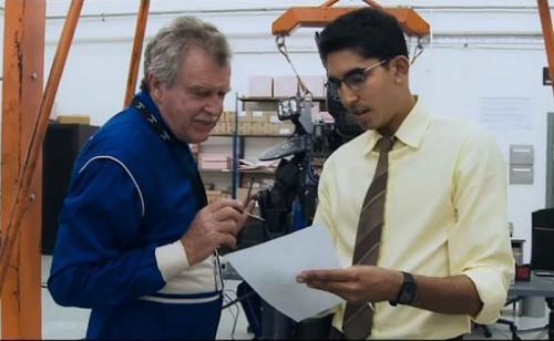 Dev Patel saat beraksi di Film Chappie