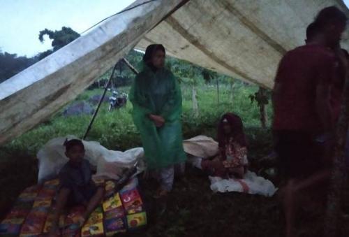 Pengungsi banjir Jember