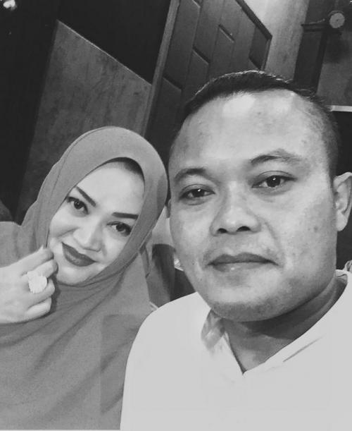 Sule dan mendiang Lina Jubaedah. (Foto: Instagram/@rizkyfbian)
