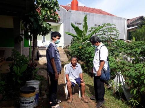 Tim medis mendatangi warga terserang gejala Chikungunya