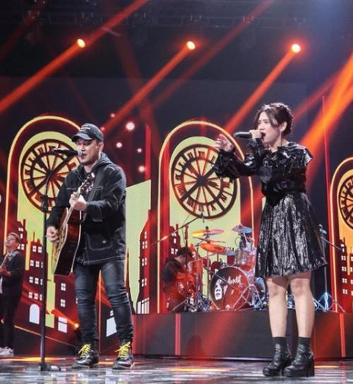 Ziva dan Band Armada. (Foto: Instagram/@indonesianidolid)