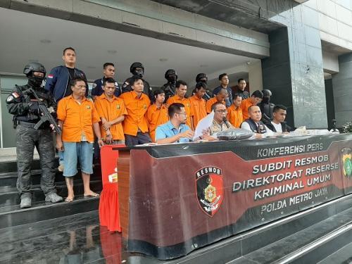 Polda Metro Jaya rilis pengungkapan kasus pencurian spesialis rumah kosong di Jakbar (Foto : Okezone.com/Harits Tryan Akhmad)