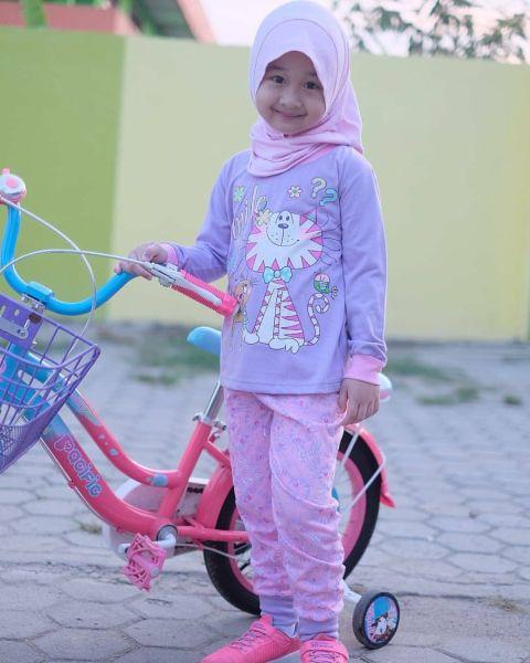 Bikin Gemes, Ini 4 Gaya Hijab untuk Anak Kecil : Okezone ...