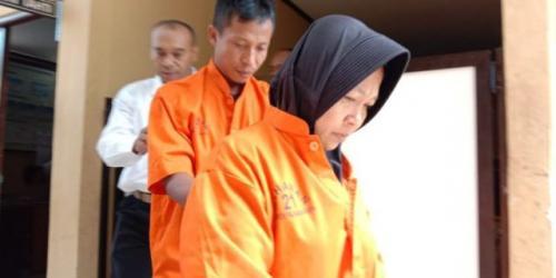 Pasutri menipu pengusaha kaya di Palangkaraya hingga Rp7,8 miliar. (Foto: Sigit Dzakwan/Okezone)