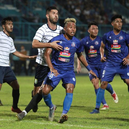 Arema FC vs Persela (Foto: Media Arema)
