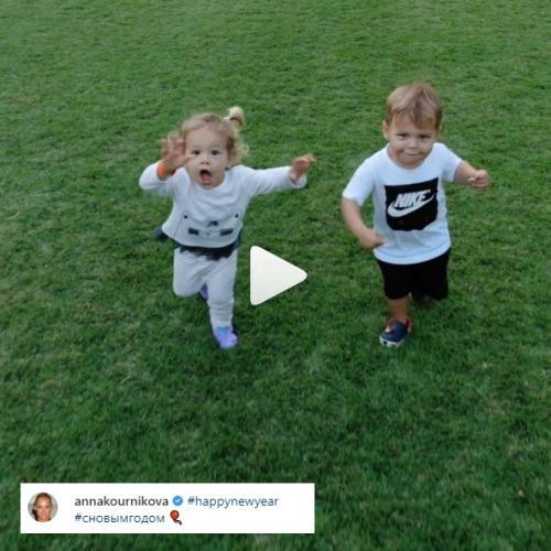 Anak kembar Enrique Iglesias dan Anna Kournikova. (Foto: Instagram/@annakournikova)