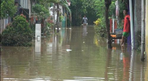banjir di Karawang Foto: INews TV