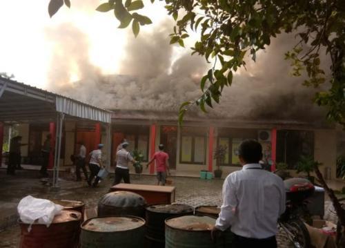 Mapolres Ogan ilir terbakar