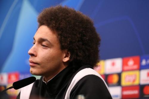 Gelandang Borussia Dortmund, Axel Witsel