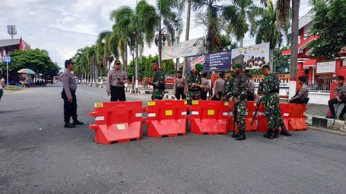 Ada Laga Arema vs Persebaya, Sejumlah Jalan dan Pertokoan di Kota Blitar Tutup (foto: Okezone/Avirista M)