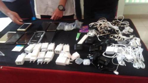 Oknum petugas kebersihan coba menyelundupkan narkoba ke Lapas Banceuy Bandung. (Foto: CDB Yudistira/Okezone)