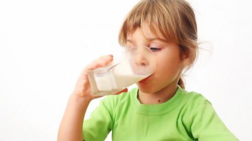 susu sapi bisa menimbulkan alergi