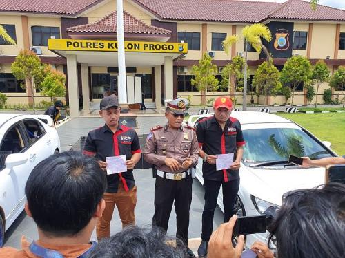 Pengemudi Mobil Balapan yang Videonya Viral di Underpass YIA di Polres Kulon Progo (foto: iNews/Kuntadi)