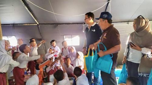 MNC Peduli Salurkan Bantuan 500 Paket Perlengkapan Sekolah ke Lebak (foto: Istimewa)