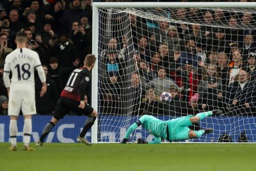 Momen gol Werner ke gawang Lloris, Tottenham vs Leipzig