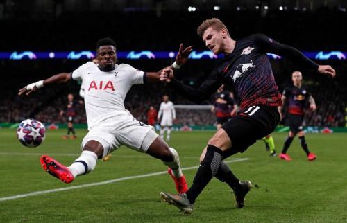 Suasana laga Tottenham vs Leipzig
