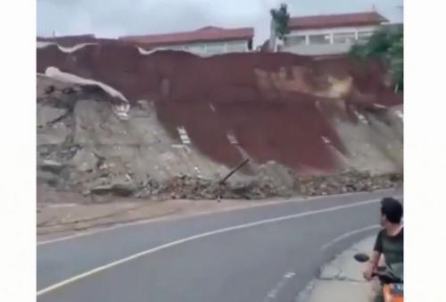 Tembok penahan tebing longsor foto: BNPB