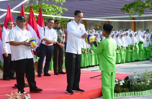 Jokowi tinjau madrasah di Pekanbaru Foto: Biro Pers Kepresidenan